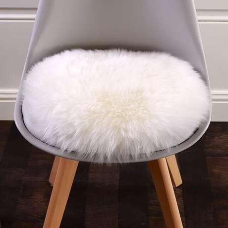 17. Almofada para cadeira de pelinho – Por: RichPoint
