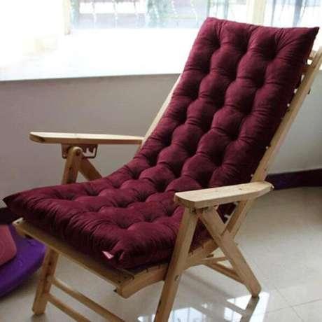 33. A almofada para cadeira pode ser feita para o assento e encosto – Por: Pinterest