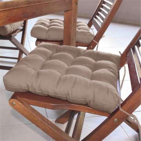 32. Almofadas para cadeiras na cor neutra – Por: Fastlar