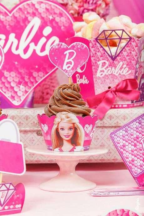 28. Cupcake para festa da barbie – Por: Pinterest