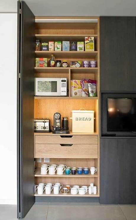 25. Decoração cantinho do café na cozinha moderna com armários planejados – Foto: LivraBook