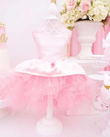 31. Decoração de festa da barbie bailarina – Por: Karas Party Ideas