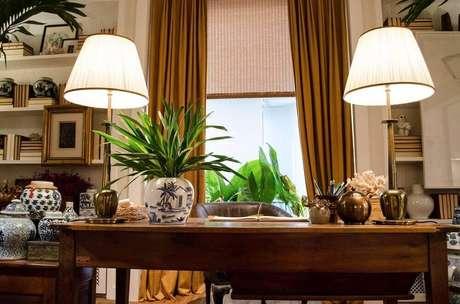 13. Vasos decorativos para plantas podem dar o toque final da decoração.