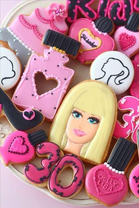 49. Doces personalizados para festa da barbie – Por: Pinterest