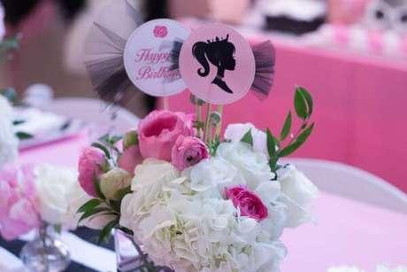 59. Centro de mesa para decoração de festa da barbie – Por: Ritz Party