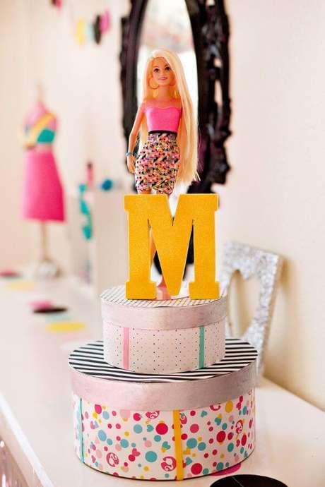 60. Festa da barbie com a boneca da decoração – Por: DIY