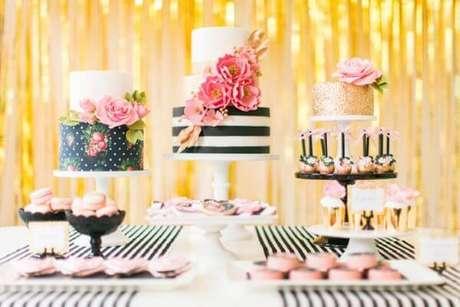 65. Festa da barbie preto e rosa – Por: Pinterest