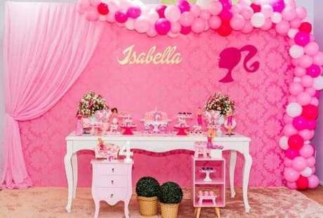 7. Festa da barbie provençal em tons de rosa e detalhes lindos – Por: Pinterest