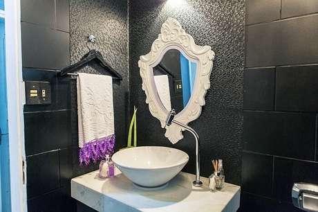 41. Moldura de gesso para espelho do banheiro. Fonte: Pinterest
