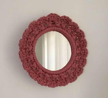 43. Moldura feita em crochê transmite delicado ao ambiente. Fonte: Pinterest