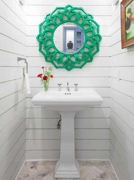 39. Moldura de banheiro em tom verde. Fonte Pinterest