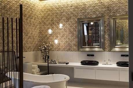13. Moldura para espelho de banheiro fosca fixada na parede de revestimento 3D. Projeto por Colormix Para um Ambiente Ideal