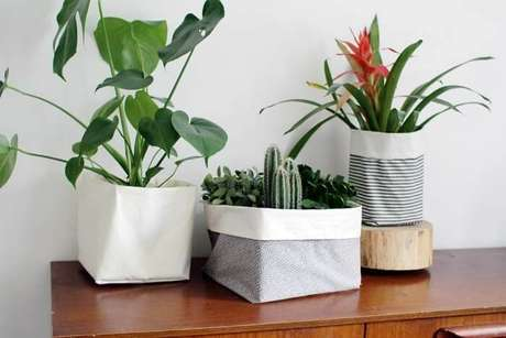 52. Vasos de plantas com base de tecido. Fonte: Pinterest