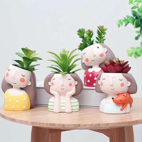 57. Vasos de plantas criativos feitos em resina. Fonte: Pinterest