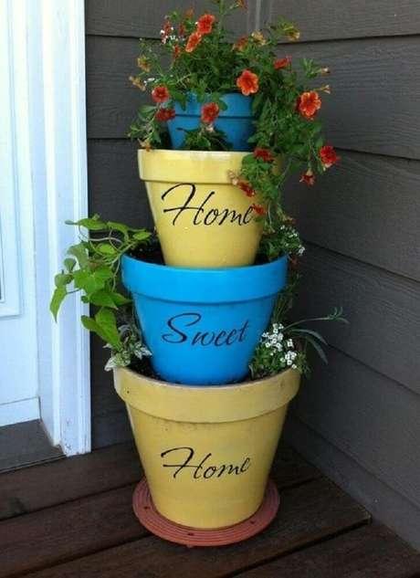 3. É necessário saber qual o porte da espécie antes de escolher os vasos para plantas.
