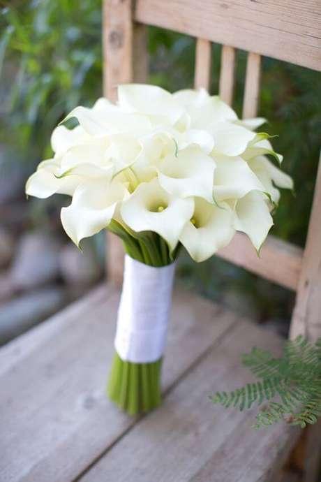 9. O buquê de copo de leite é uma linda opção para noivas – Por: Pinterest