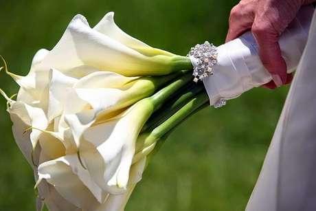 15. Use o copo de leite para o seu casamento ser ainda mais bonito – Por: Pinterest
