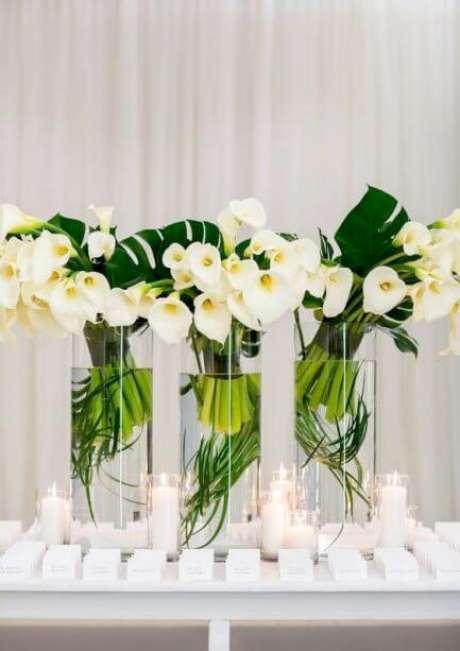 31. O copo de leite pode ser a melhor opção para decorar sua casa com muito requinte – Por: Detalhes de Casamento