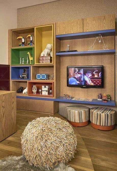 44. Brinquedotecassão cômodos tipicamente decorados com nichos de madeira.Foto: Revista Viva Decora.