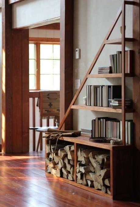 67. Esta é uma forma moderna e funcional de utilizar os nichos de madeira. Foto: Revista Viva Decora.
