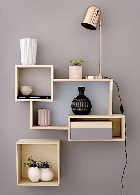 1. Os nichos de madeira são utilizados de muitas formas em uma decoração. Foto: DIY Projects