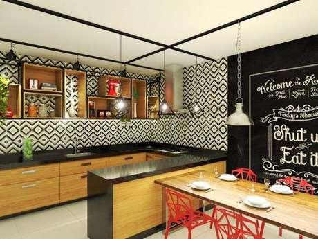 47. Cozinhas que usam nichos de madeira costumam trabalhar com estruturas metálicas. Projeto de Bruna Ferreira