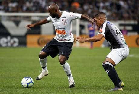 Equipes se enfrentaram no primeiro semestre pela Copa do Brasil. Timão levou a melhor após dois jogos (Foto: Marco Galvão/Fotoarena)