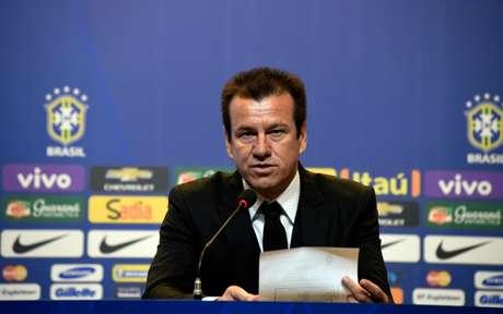 Dunga criticou a utilização do VAR pelos árbitros brasileiros: 'A tecnologia que está nos usando' | (Foto: Mowa Press)