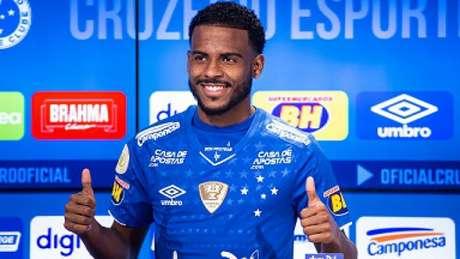 Ezequiel está emprestado ao Cruzeiro até o fim deste ano e terá de correr para mostra serviço na Raposa- (Bruno Haddad/Cruzeiro)