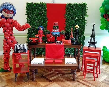 73. Decoração de festa ladybug – Por: Pinterest