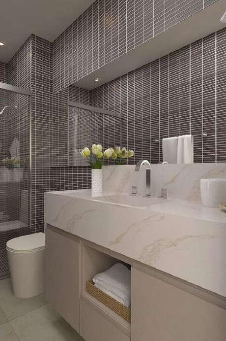 25. Banheiro feminino decorado em tons neutros – Foto: Em Meu Canto