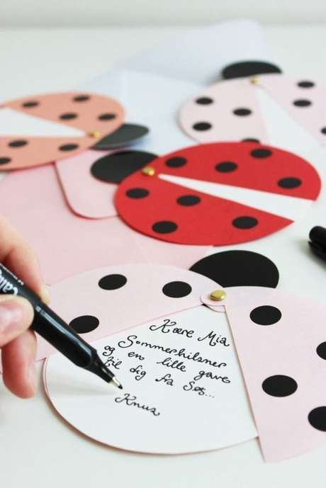 7. Convite para festa ladybug. – Por: Pinterest