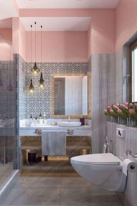 41. O banheiro feminino rosa e cinza é tendência – Foto: Eduardo Cavalcanti Castro