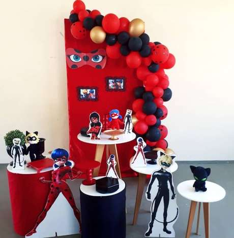 23. Decoração de festa ladybug simples e barata – Por: Pinterest