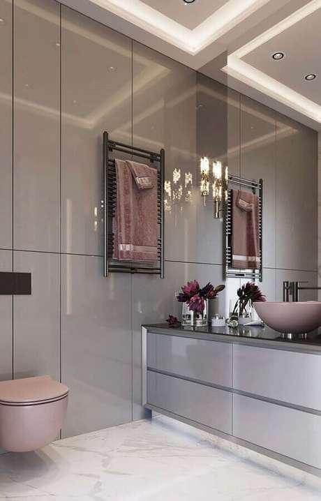 55. Decoração sofisticada para banheiro feminino – Foto: Eduardo Cavalcanti Castro