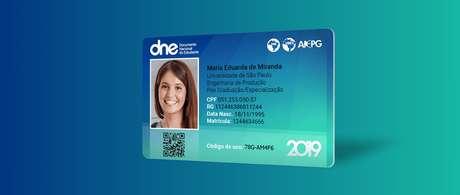 Modelo da atual carteirinha de estudante, oferecida pela UNE