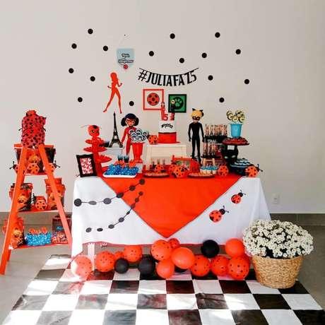 44. Festa ladybug simples e linda – Por: Pinterest