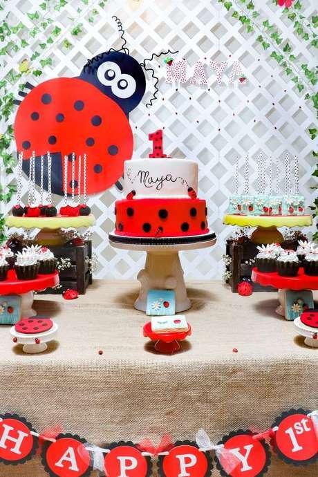 53. A joaninha é uma boa forma de investir na festa ladybug – Por: Pinterest