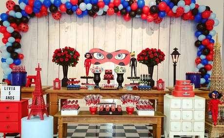 56. Festa ladybug miraculous e Cat Noir – Por: Pinterest