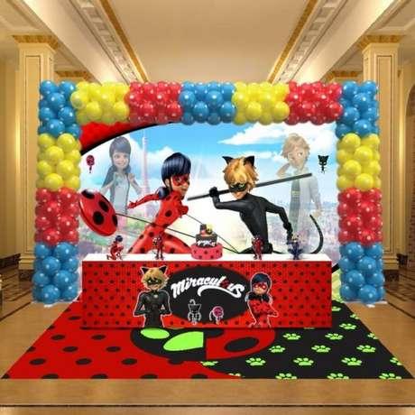 55. Festa miraculous ladybug e cat noir – Por: Pinterest