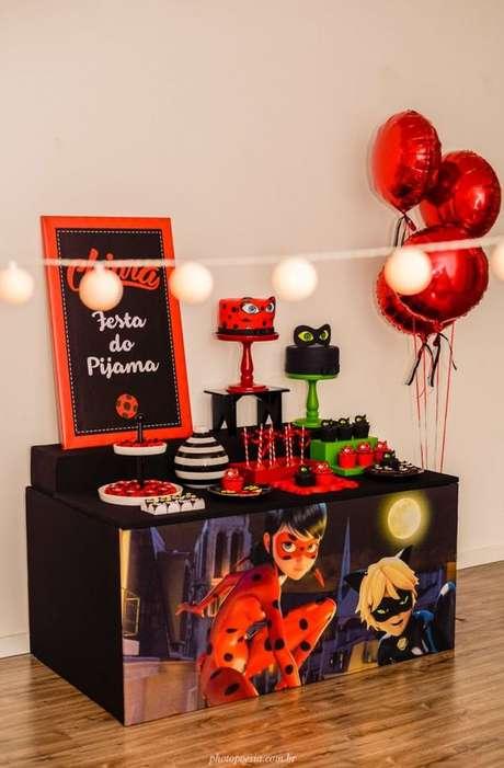 57. Decoração da Ladybug para festa do pijama – Por: Pinterest