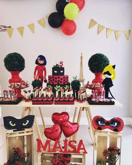 61. Festa ladybug simples e com detalhes lindos – Por: Pinterest