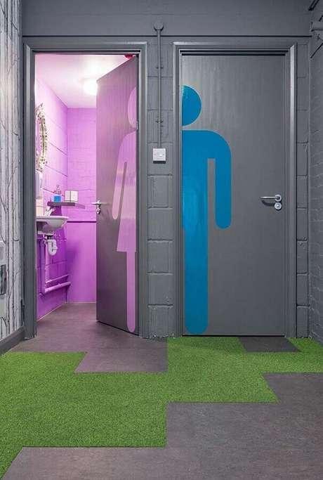 57. Porta de entrada para banheiro feminino e masculino – Foto: Pinterest