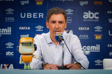 Djian contou que Ceni e Neves se reuniram e resolveram a situação- (Vinnicius Silva/Cruzeiro)