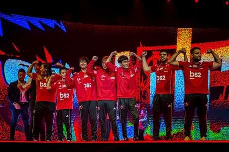 Flamengo comemora o título no CBLoL.