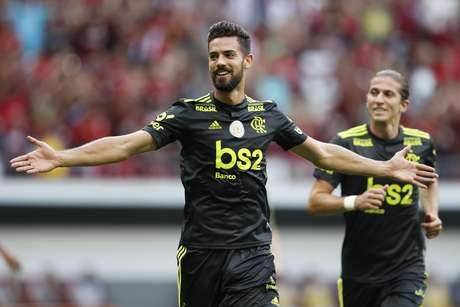 Pablo Marí, do Flamengo, comemora após marcar gol durante partida contra o Avaí