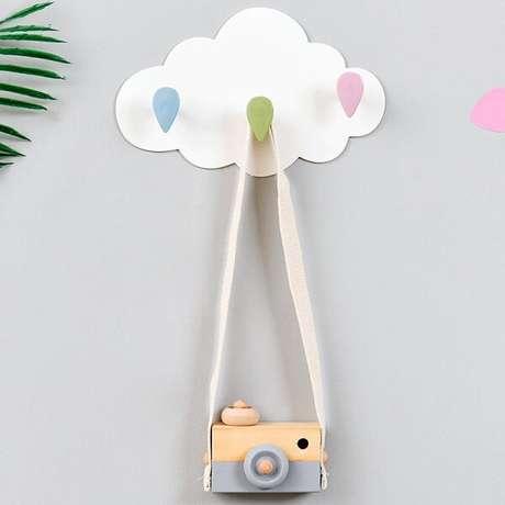 9. Gancho de parede em formato de nuvem encanta a decoração. Fonte: Pinterest