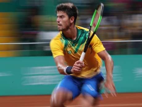 O brasileiro João Menezes em quadra no Panamericano