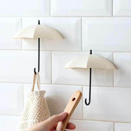 66. Gancho em formato de guarda chuva. Fonte: Pinterest