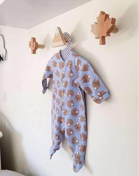 69. Gancho de parede em madeira. Fonte: Pinterest